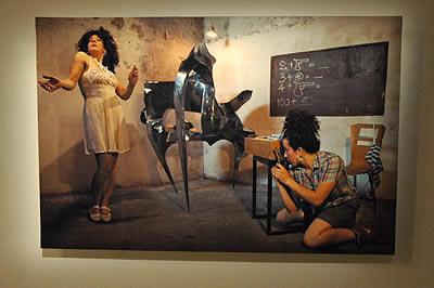 ロサリア・イアゼッタ展「微笑みはあなたの心次第、他には由らない」