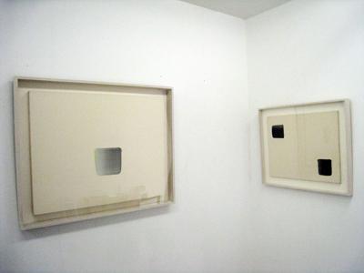 「白と黒」展