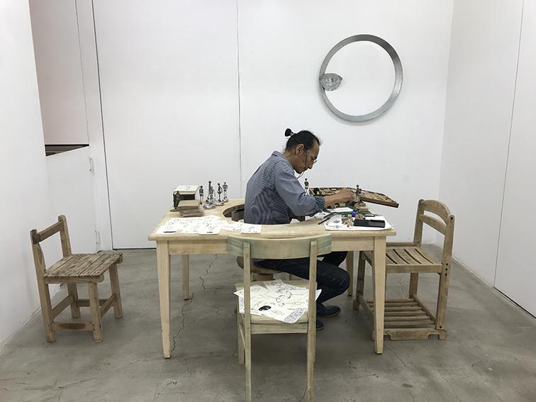 『太陽の東 月の西 伊藤誠と吉川陽一郎による彫刻展』
