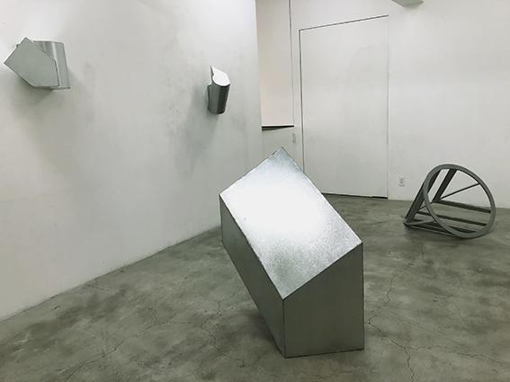 伊藤誠展「知らない場所Ⅲ」が始まりました。